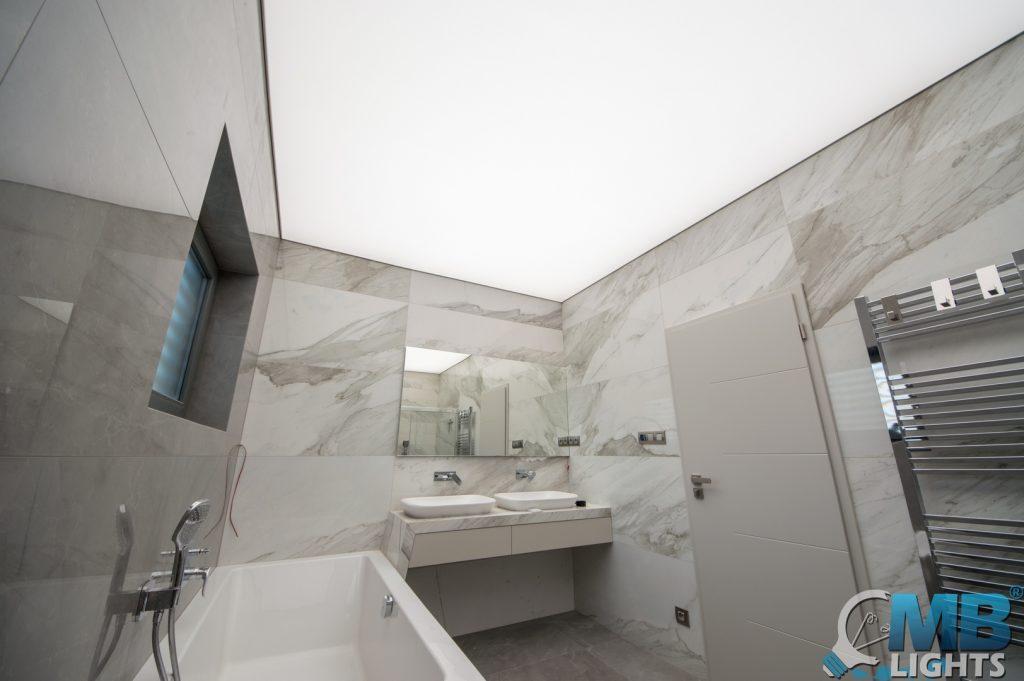 svetelný strop kupelňa (1)