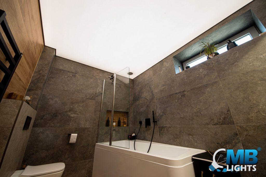 napínaný strop kúpelna